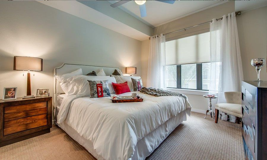 1900 Yorktown Galleria Apartments - Bedroom Features