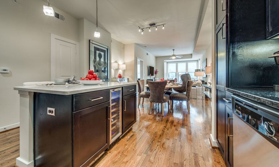 Galleria Apartments | 1900 Yorktown Houston Galleria Apartments - Apartment Kitchen 1