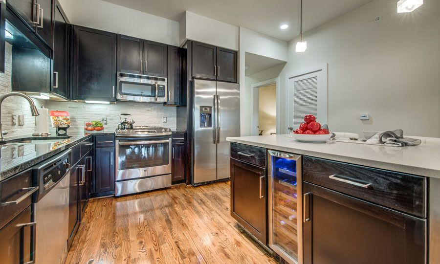 Galleria Apartments | 1900 Yorktown Houston Galleria Apartments - Apartment Kitchen 2