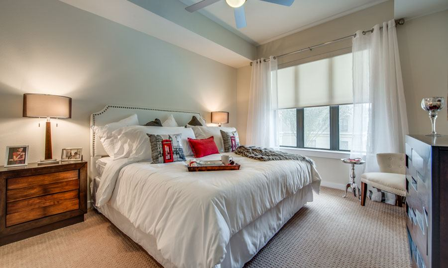 Galleria Apartments | 1900 Yorktown Houston Galleria Apartments - Apartment Bedroom