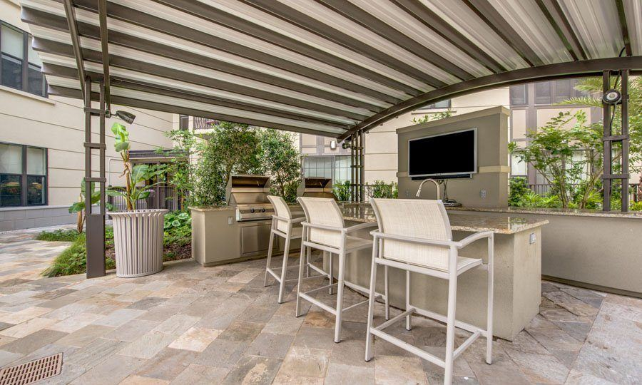 Galleria Apartments | 1900 Yorktown Houston Galleria Apartments - Pool BBQ Area